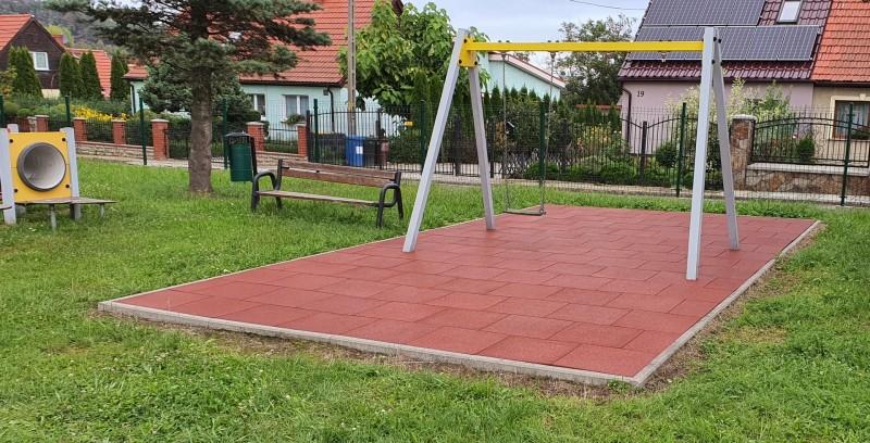 plac-zabaw-przy-szkole-podstawowej-w-kostrzy-150m2-plyt-proflex-sbr-3
