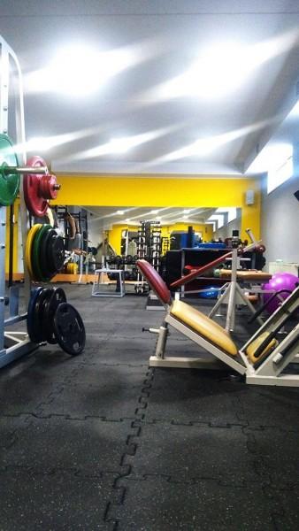 klub-sportowy-centrum-w-bydgoszczy-350-m2-plyt-sportflex-2